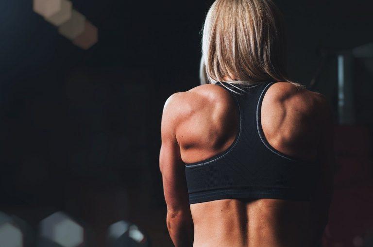 Ile zarabia trener fitness?