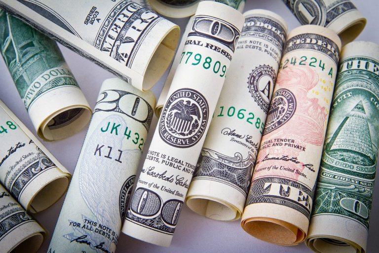 Warunki przyznawania pożyczek na raty przez Internet